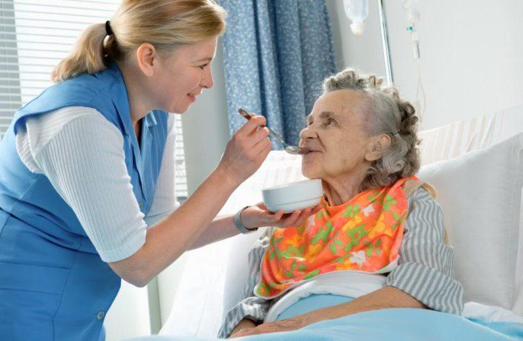 Как оформить инвалидность лежачему больному пенсионеру?
