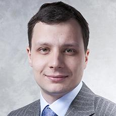 Дмитрий Максимович, Старший юрист