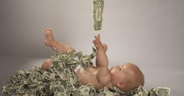 Выплата за рождение первенца в 2018 году